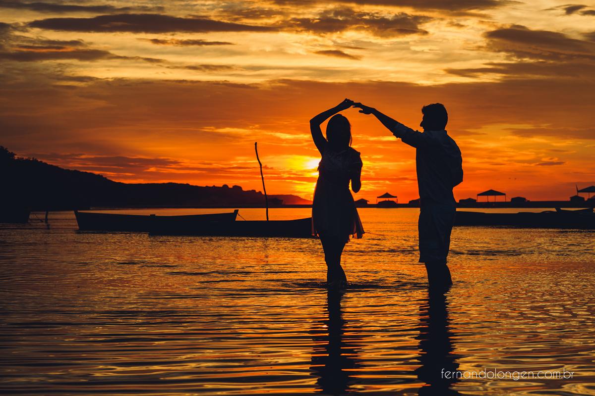 Ilha do Papagaio Ensaio Fotografico Pre Casamento Noivos Nascer do Sol Guarda do Embaú Casal Thayssa e Lucas Fotografo Casamento Fernando Longen Wedding Photographer (17)