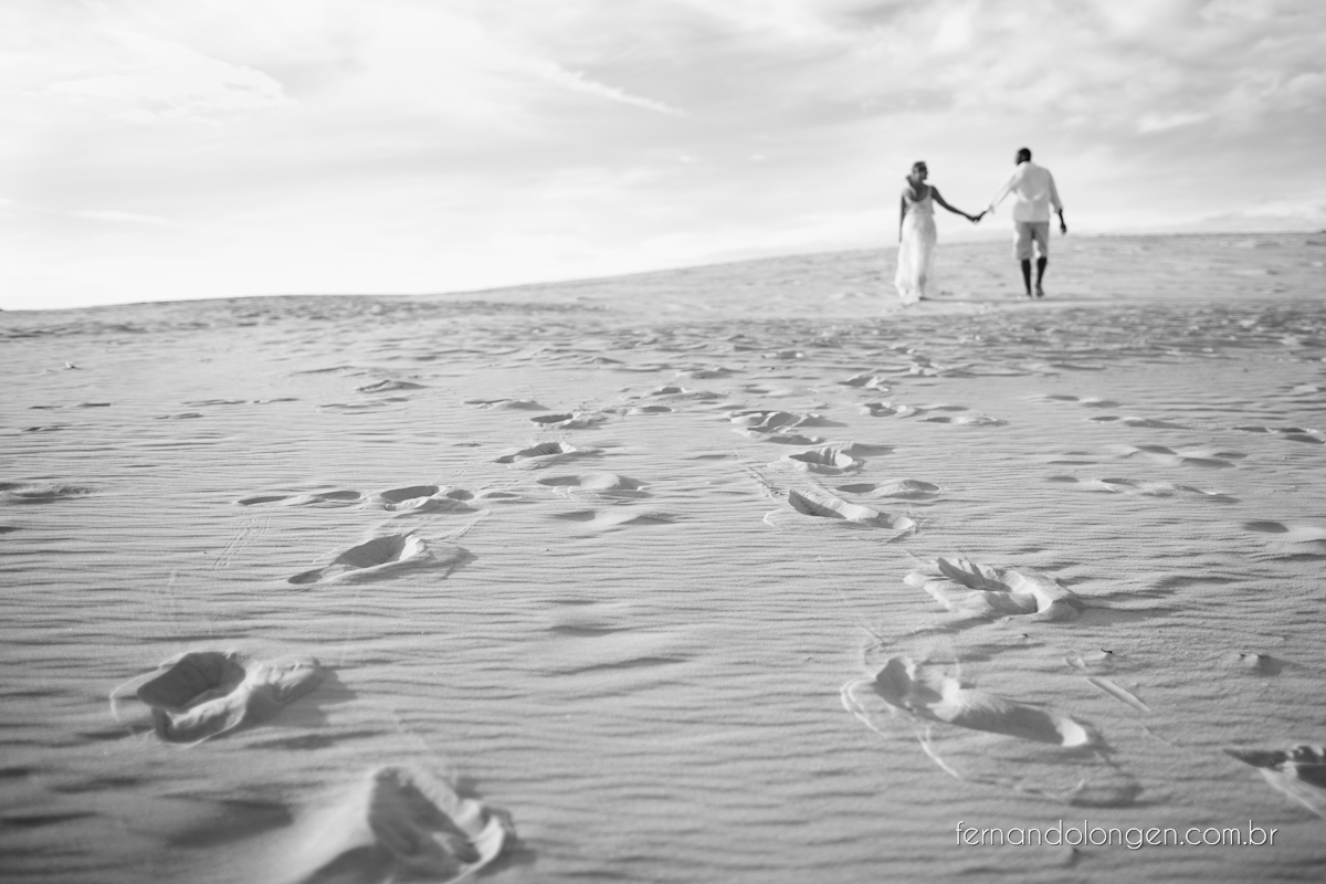 Fernando Longen Fotografo de Casamento em Florianópolis Ensaio Pré Casamento Noivos Casal Vanessa e Alessandro Praia Ceú Azul Por do Sol em Floripa (11)