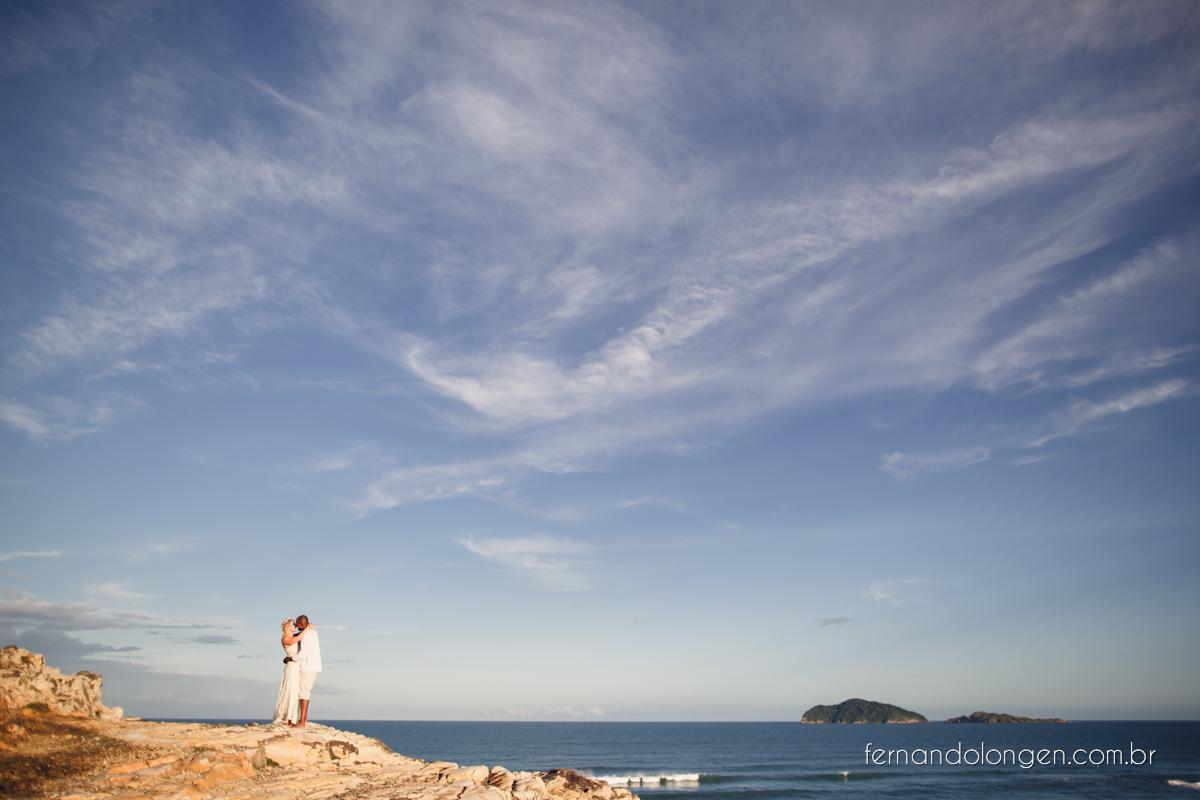 Fernando Longen Fotografo de Casamento em Florianópolis Ensaio Pré Casamento Noivos Casal Vanessa e Alessandro Praia Ceú Azul Por do Sol em Floripa (19)