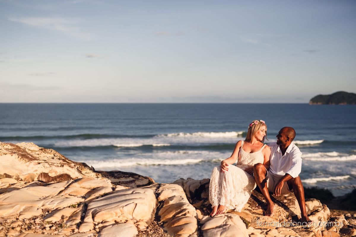 Fernando Longen Fotografo de Casamento em Florianópolis Ensaio Pré Casamento Noivos Casal Vanessa e Alessandro Praia Ceú Azul Por do Sol em Floripa (20)