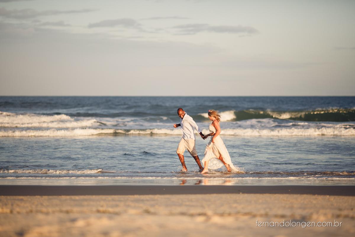 Fernando Longen Fotografo de Casamento em Florianópolis Ensaio Pré Casamento Noivos Casal Vanessa e Alessandro Praia Ceú Azul Por do Sol em Floripa (25)