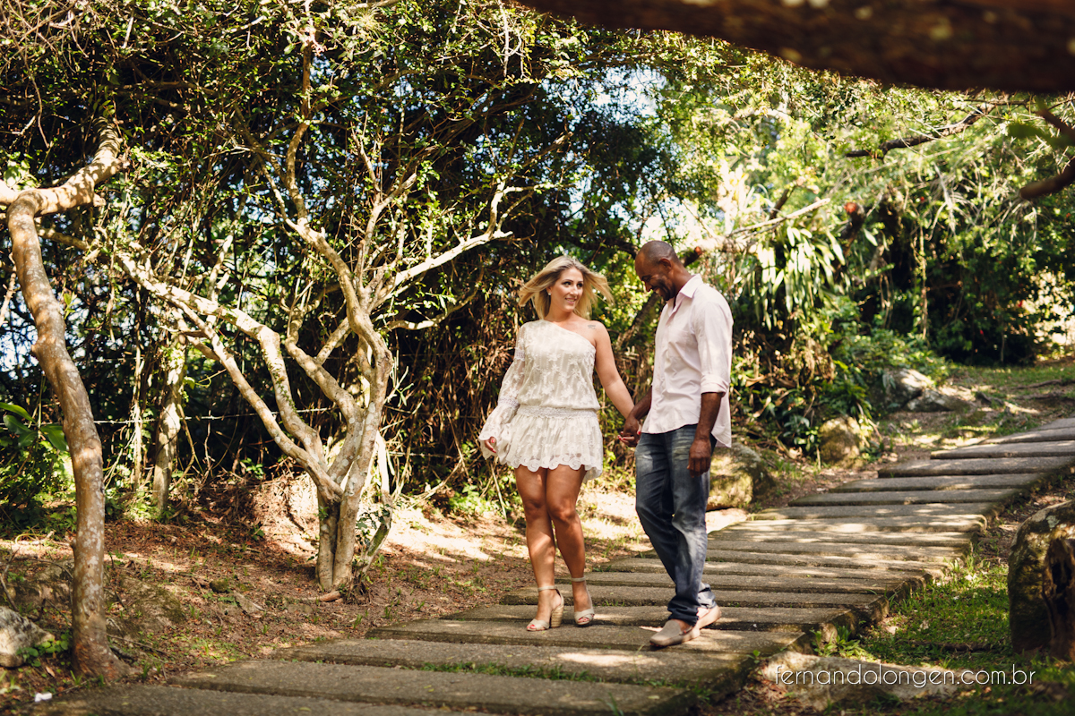 Fernando Longen Fotografo de Casamento em Florianópolis Ensaio Pré Casamento Noivos Casal Vanessa e Alessandro Praia Ceú Azul Por do Sol em Floripa (3)