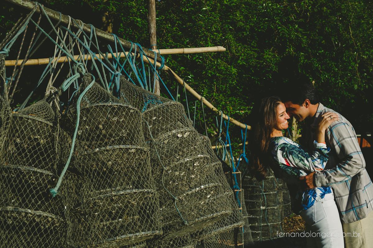 sessao-pre-casamento-na-praia-em-florianopolis-fotografo-fernando-longen-noivos-renata-e-marcio-2