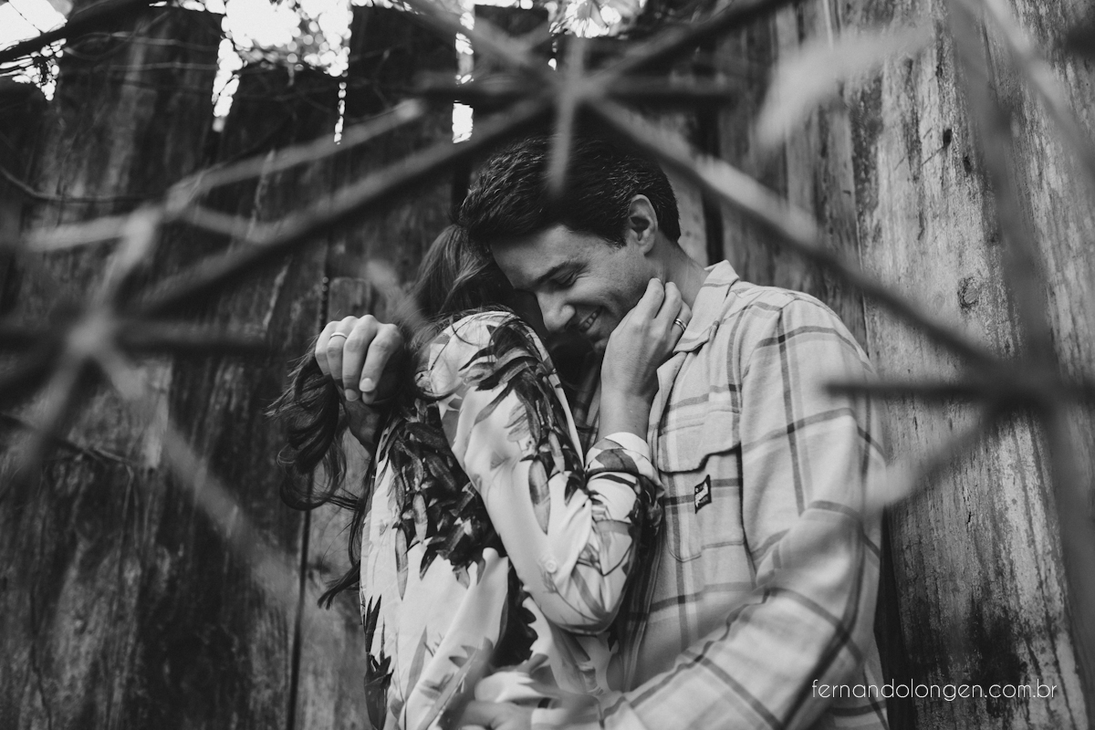 sessao-pre-casamento-na-praia-em-florianopolis-fotografo-fernando-longen-noivos-renata-e-marcio-4
