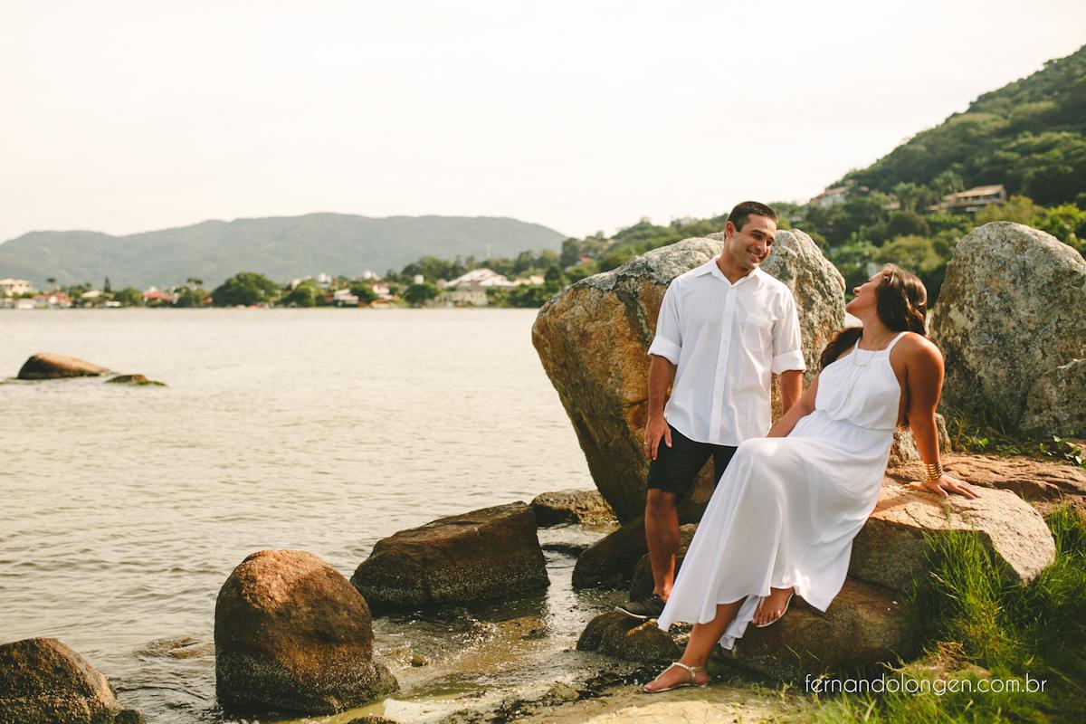 sessao-pre-casamento-na-lagoa-da-conceicao-e-dunas-da-joaquina-florianopolis-ensaio-casal-noivos-pre-casamento-fotografo-fernando-longen-wedding-photographer-4