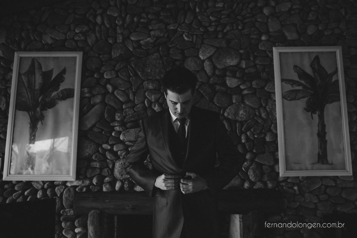 casamento-na-praia-do-rosa-santa-catarina-ao-ar-livre-noivos-julia-e-mauricio-wedding-photographer-fernando-longen-11