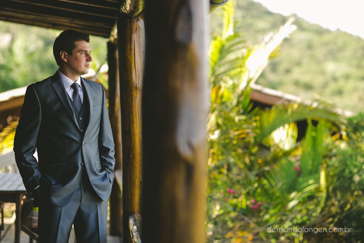 casamento-na-praia-do-rosa-santa-catarina-ao-ar-livre-noivos-julia-e-mauricio-wedding-photographer-fernando-longen-12