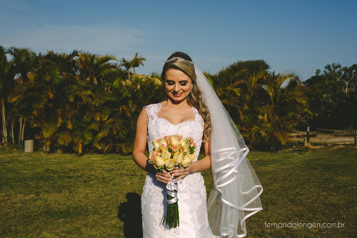 casamento-na-praia-do-rosa-santa-catarina-ao-ar-livre-noivos-julia-e-mauricio-wedding-photographer-fernando-longen-13