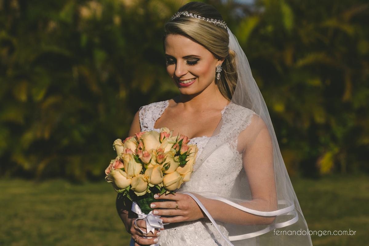 casamento-na-praia-do-rosa-santa-catarina-ao-ar-livre-noivos-julia-e-mauricio-wedding-photographer-fernando-longen-16