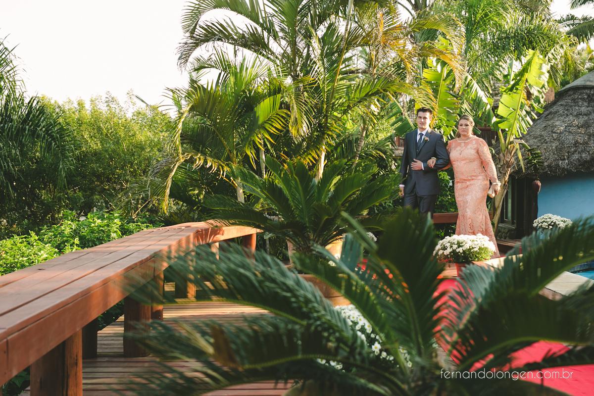 casamento-na-praia-do-rosa-santa-catarina-ao-ar-livre-noivos-julia-e-mauricio-wedding-photographer-fernando-longen-19