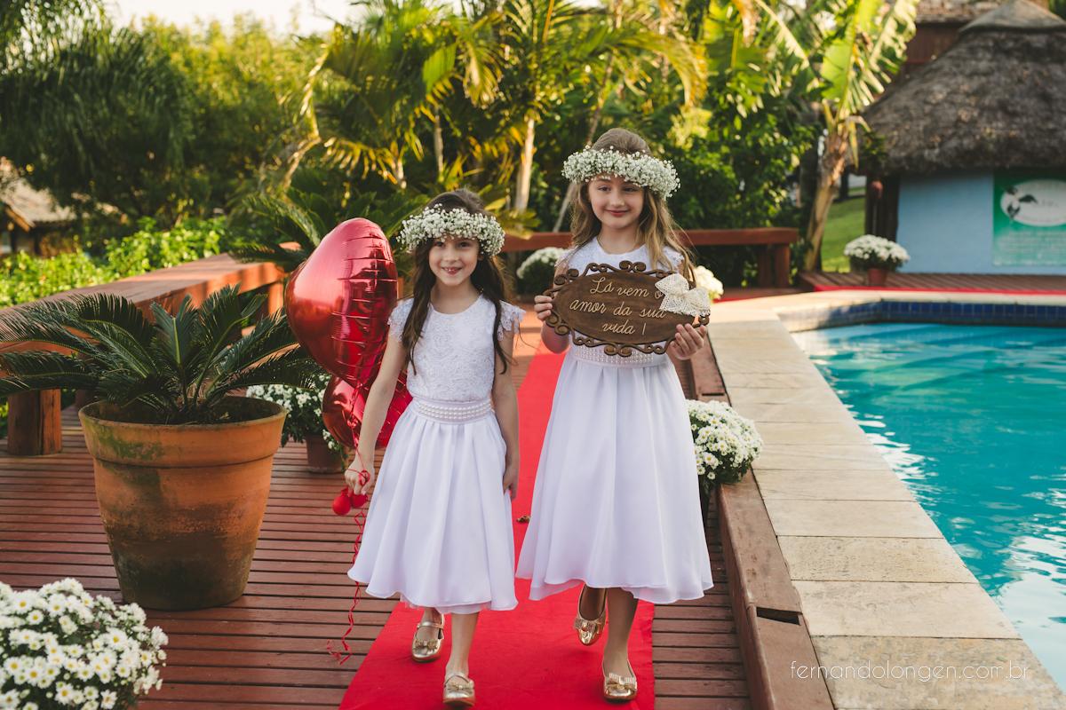 casamento-na-praia-do-rosa-santa-catarina-ao-ar-livre-noivos-julia-e-mauricio-wedding-photographer-fernando-longen-21