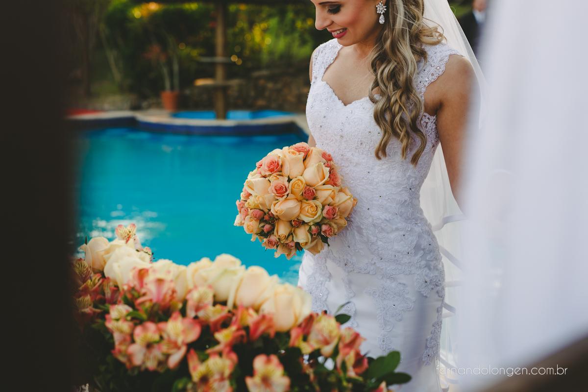 casamento-na-praia-do-rosa-santa-catarina-ao-ar-livre-noivos-julia-e-mauricio-wedding-photographer-fernando-longen-26