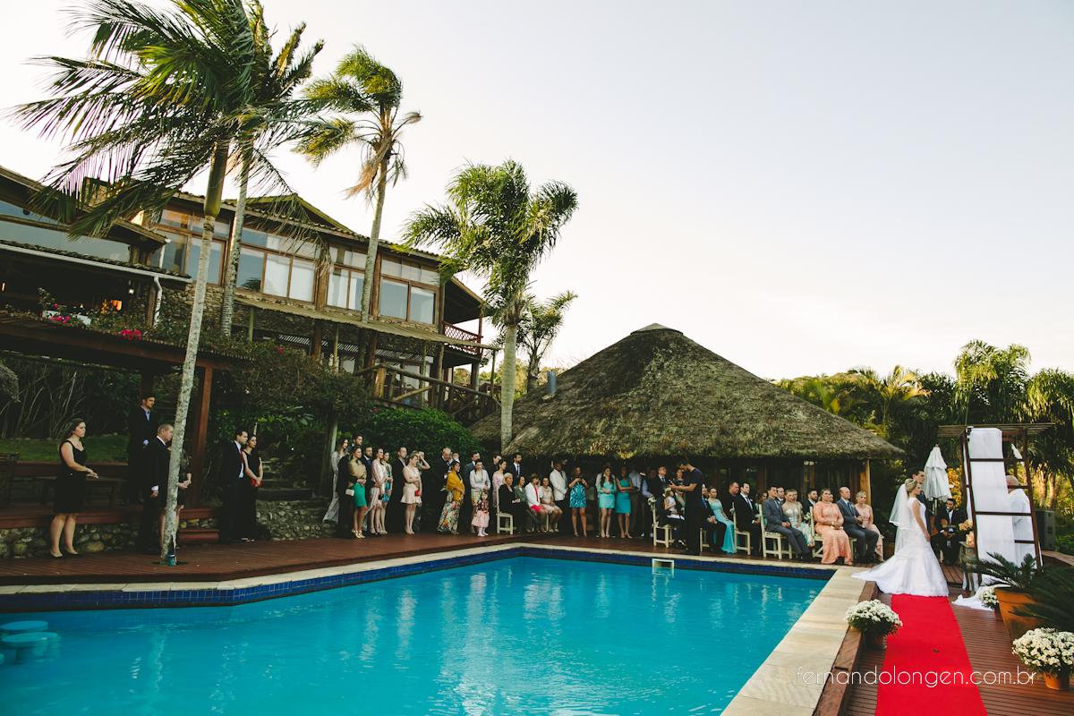 casamento-na-praia-do-rosa-santa-catarina-ao-ar-livre-noivos-julia-e-mauricio-wedding-photographer-fernando-longen-64