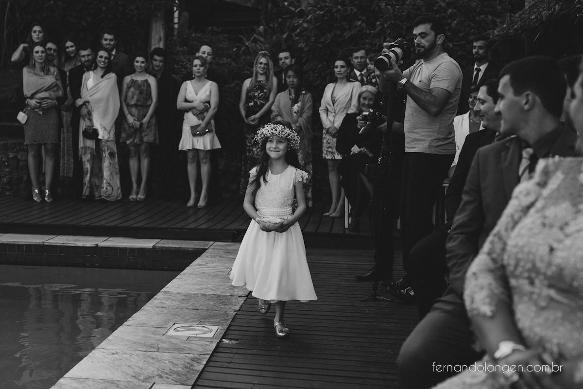 casamento-na-praia-do-rosa-santa-catarina-ao-ar-livre-noivos-julia-e-mauricio-wedding-photographer-fernando-longen-30