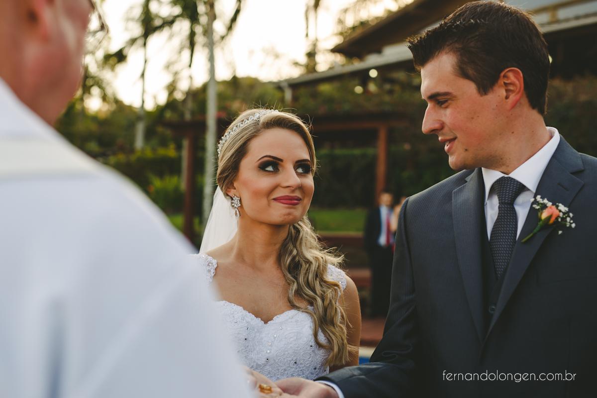 casamento-na-praia-do-rosa-santa-catarina-ao-ar-livre-noivos-julia-e-mauricio-wedding-photographer-fernando-longen-32