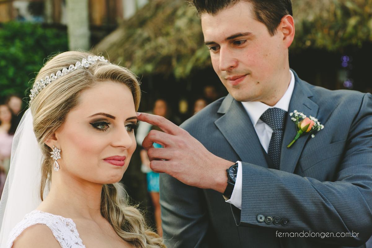 casamento-na-praia-do-rosa-santa-catarina-ao-ar-livre-noivos-julia-e-mauricio-wedding-photographer-fernando-longen-33