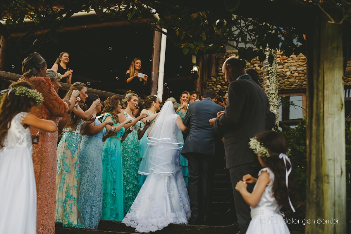 casamento-na-praia-do-rosa-santa-catarina-ao-ar-livre-noivos-julia-e-mauricio-wedding-photographer-fernando-longen-38