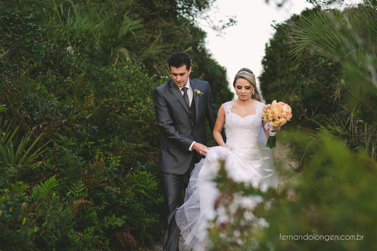 casamento-na-praia-do-rosa-santa-catarina-ao-ar-livre-noivos-julia-e-mauricio-wedding-photographer-fernando-longen-43