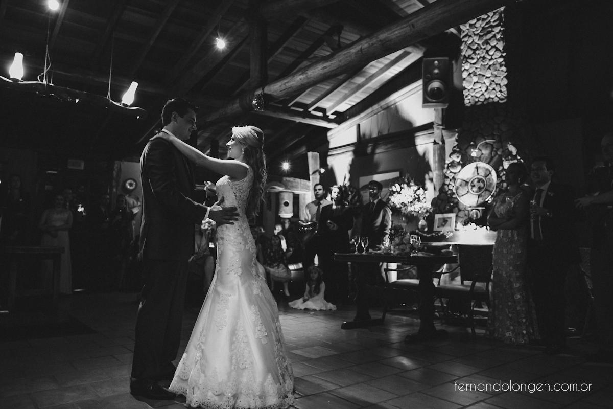 casamento-na-praia-do-rosa-santa-catarina-ao-ar-livre-noivos-julia-e-mauricio-wedding-photographer-fernando-longen-46