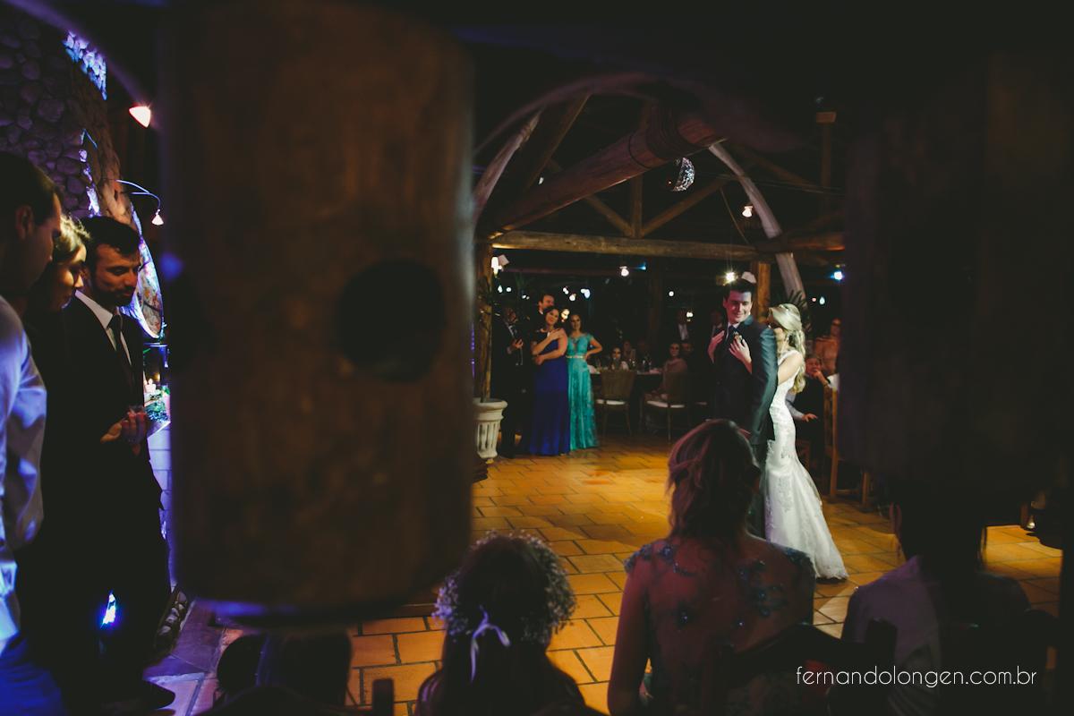 casamento-na-praia-do-rosa-santa-catarina-ao-ar-livre-noivos-julia-e-mauricio-wedding-photographer-fernando-longen-47