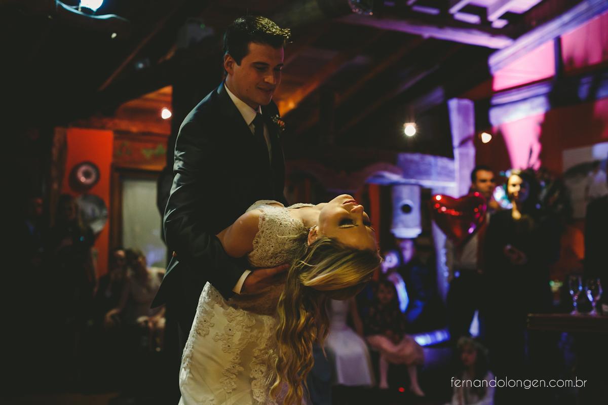 casamento-na-praia-do-rosa-santa-catarina-ao-ar-livre-noivos-julia-e-mauricio-wedding-photographer-fernando-longen-48