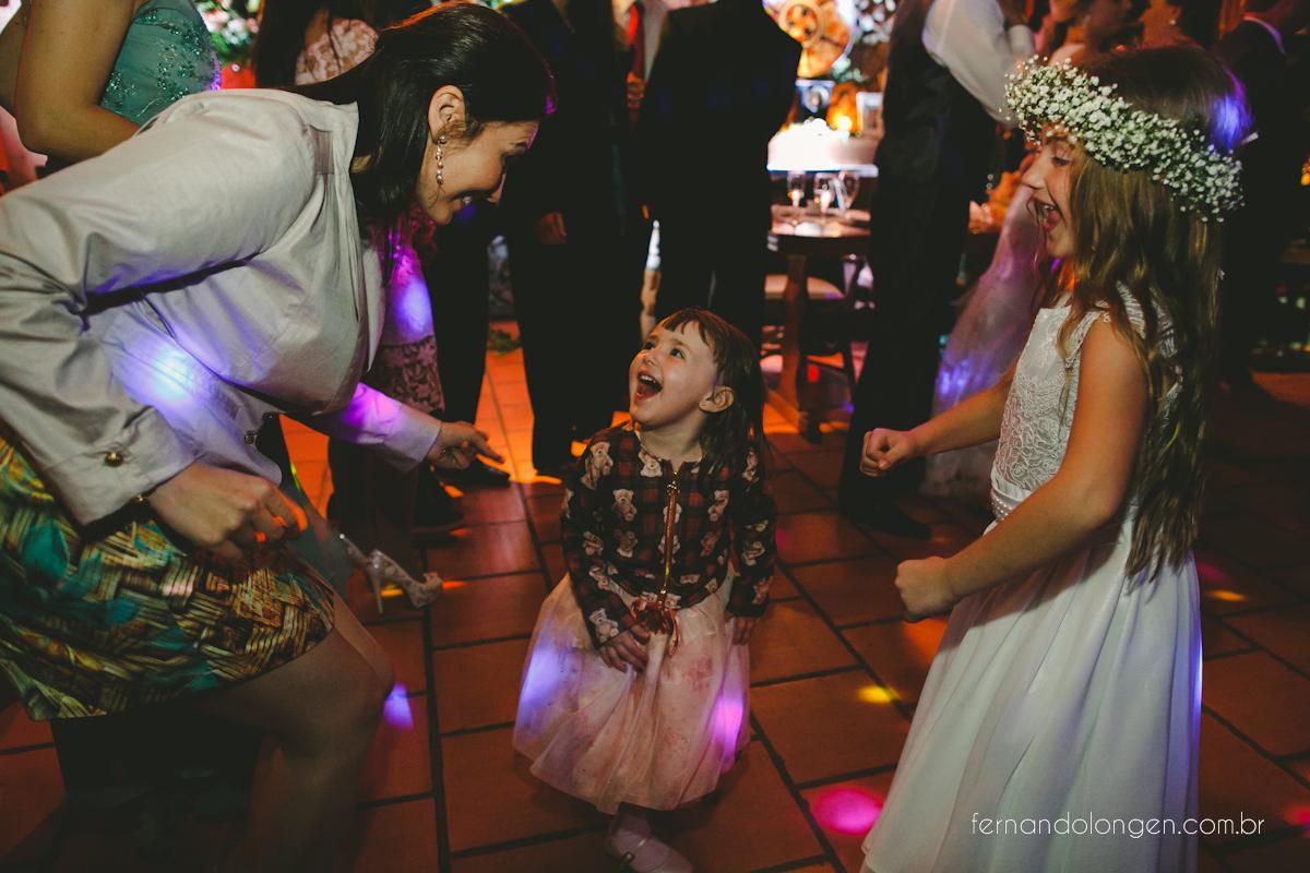casamento-na-praia-do-rosa-santa-catarina-ao-ar-livre-noivos-julia-e-mauricio-wedding-photographer-fernando-longen-49