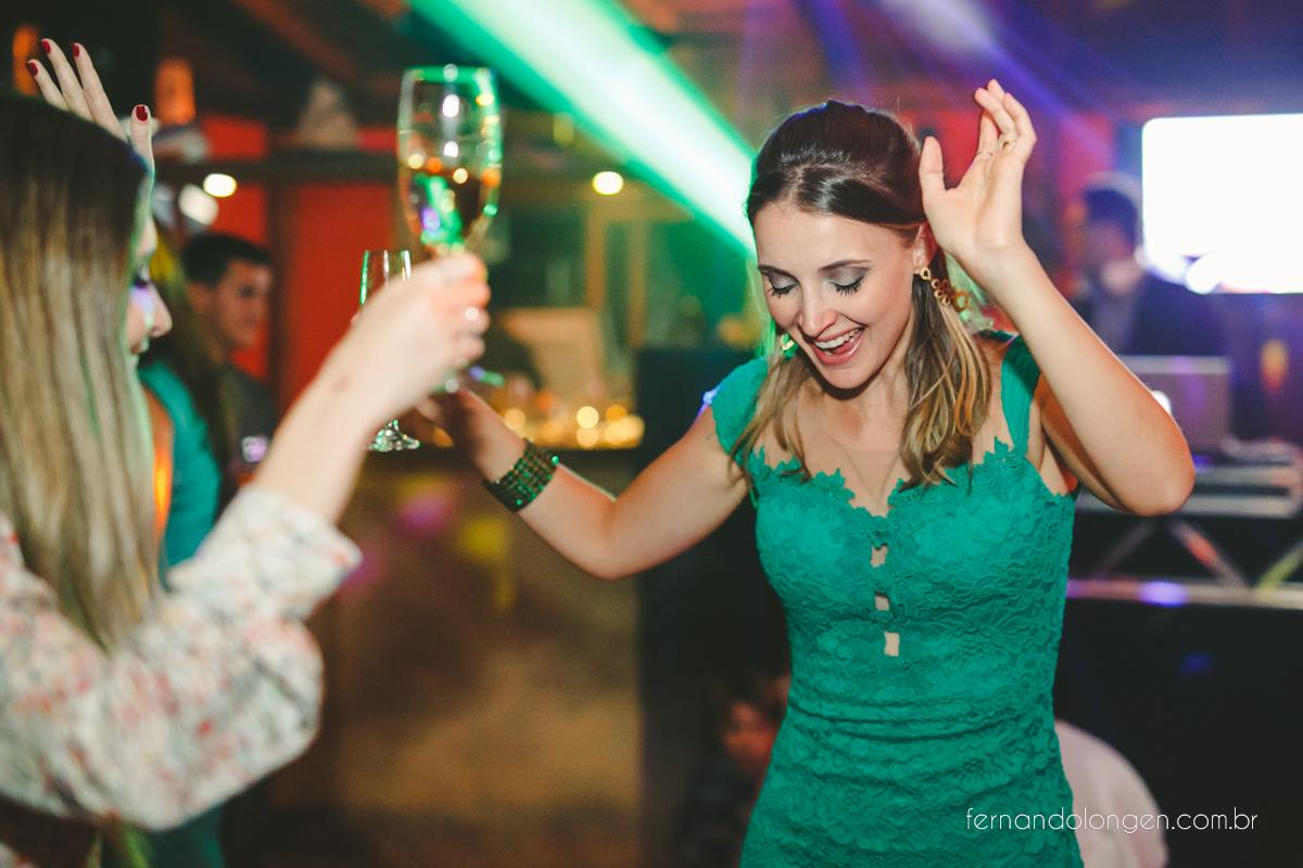 casamento-na-praia-do-rosa-santa-catarina-ao-ar-livre-noivos-julia-e-mauricio-wedding-photographer-fernando-longen-51