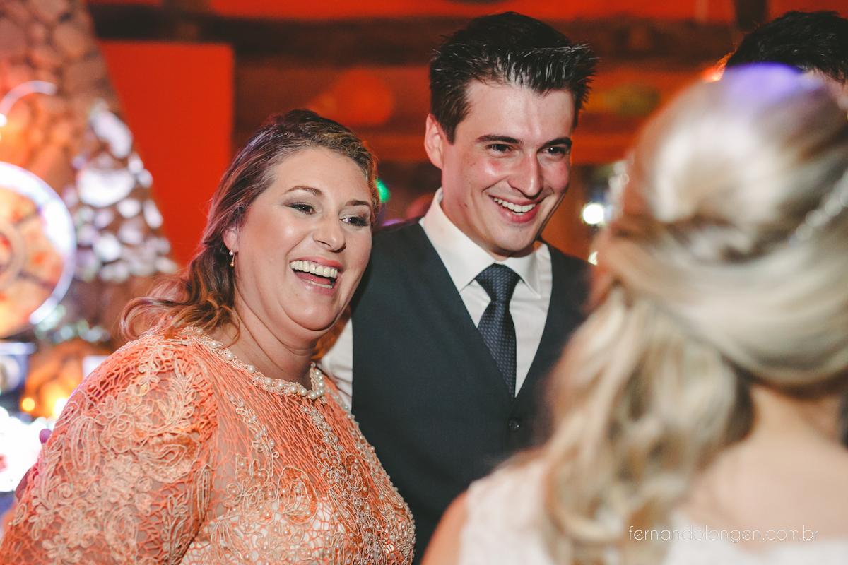 casamento-na-praia-do-rosa-santa-catarina-ao-ar-livre-noivos-julia-e-mauricio-wedding-photographer-fernando-longen-52