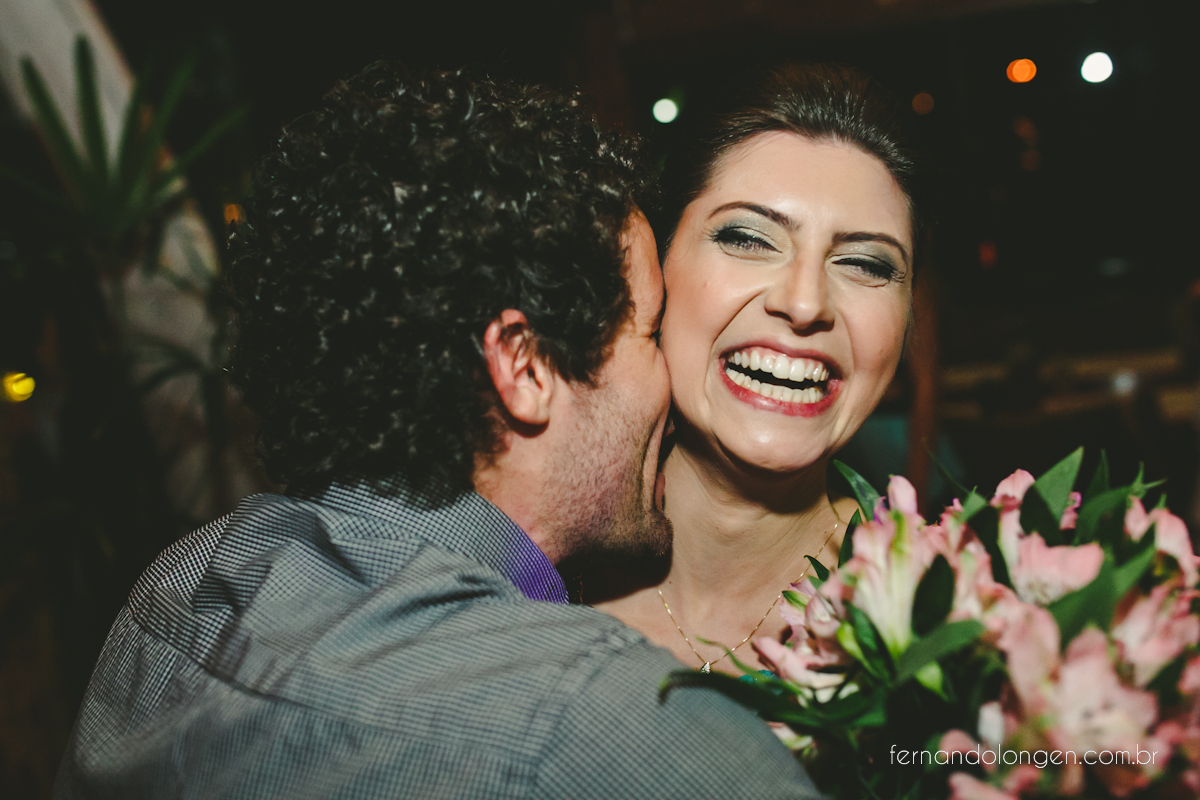casamento-na-praia-do-rosa-santa-catarina-ao-ar-livre-noivos-julia-e-mauricio-wedding-photographer-fernando-longen-57