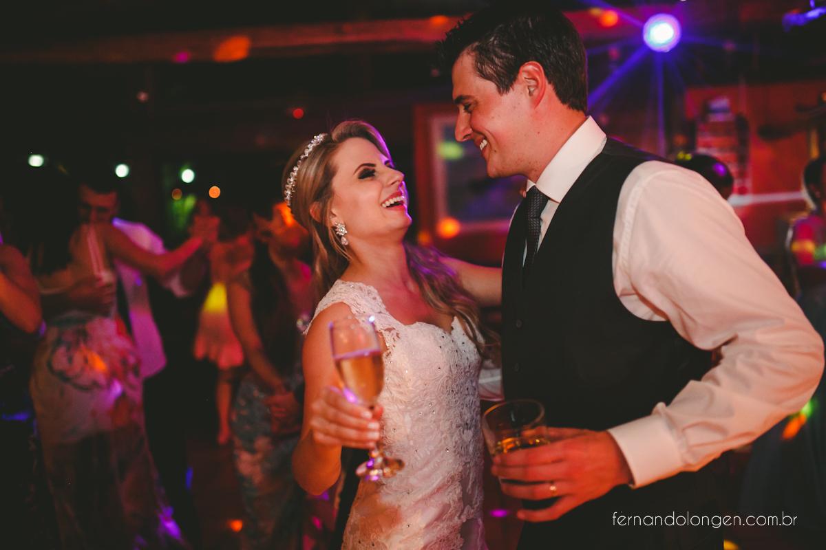 casamento-na-praia-do-rosa-santa-catarina-ao-ar-livre-noivos-julia-e-mauricio-wedding-photographer-fernando-longen-58