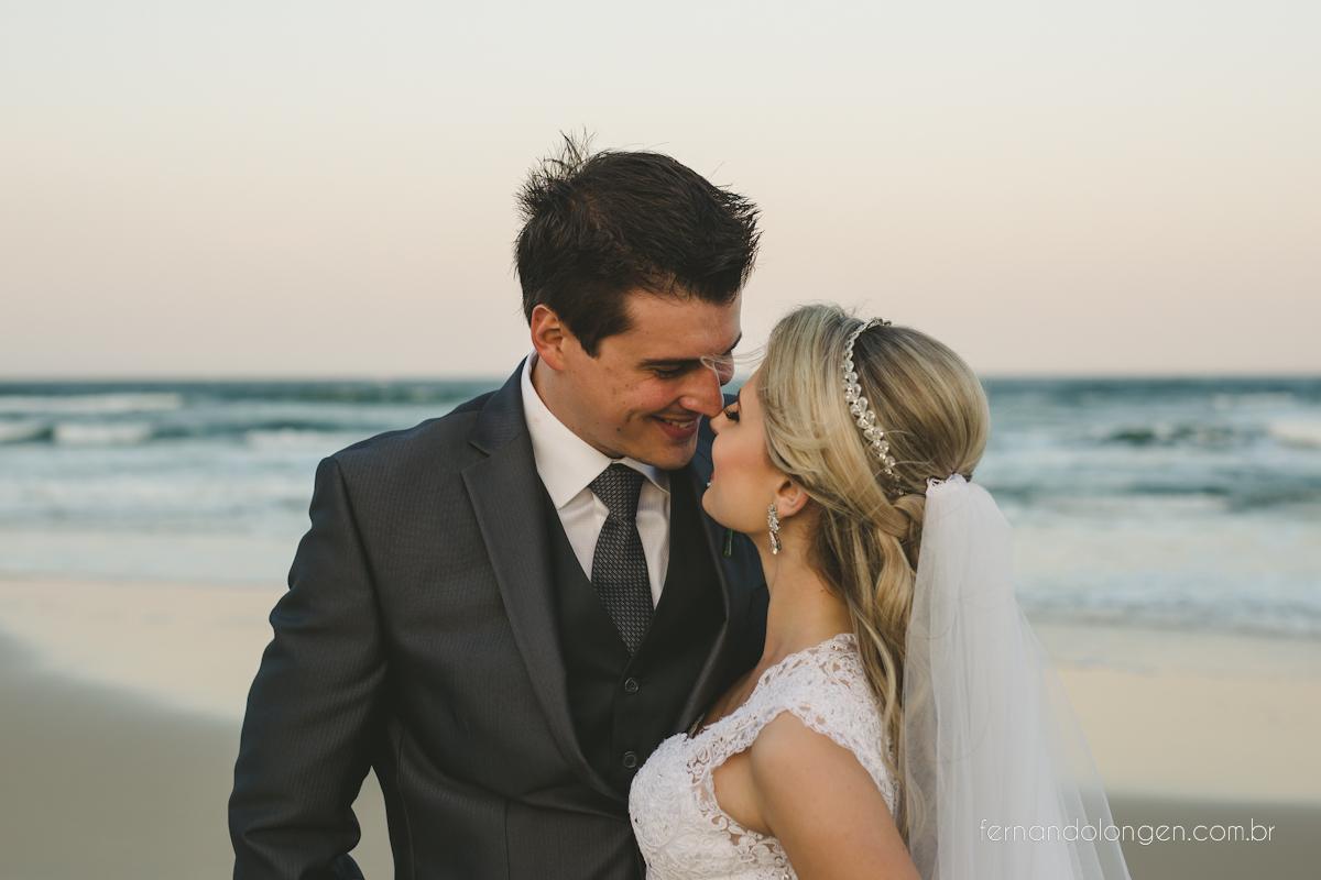 casamento-na-praia-do-rosa-santa-catarina-ao-ar-livre-noivos-julia-e-mauricio-wedding-photographer-fernando-longen-63