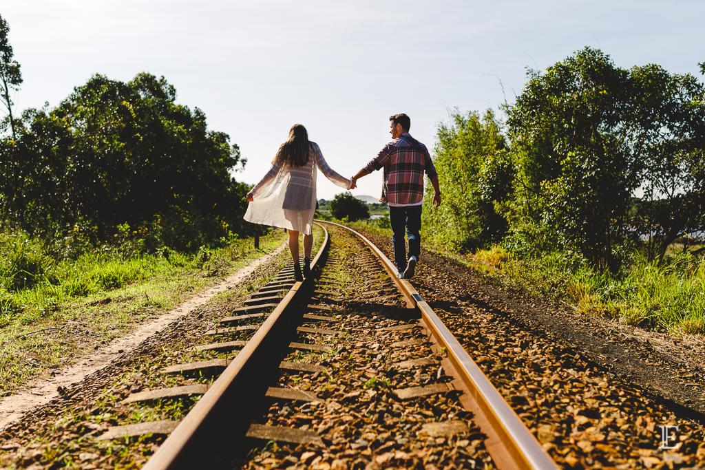Pré Wedding Imbituba Noivos Ensaio trilhos de trem tereza cristina